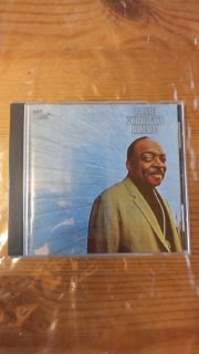 COUNT BASIE 「STRAIGHT AHEAD」